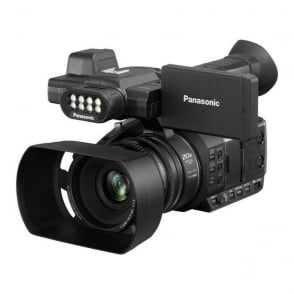 PAN-AGAC30EJ Lightweight 50Mb/s HD camcorder with built-in LED light