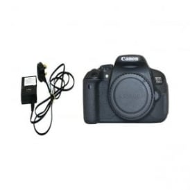 Used Canon EOS 700D body only with charger, 2 batteries
