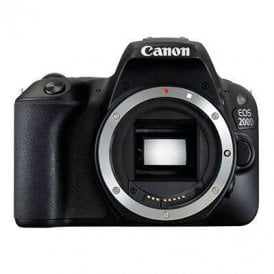 EOS 200D with 18-135mm IS STM Lens